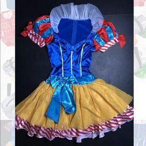 Snow White princess costume small